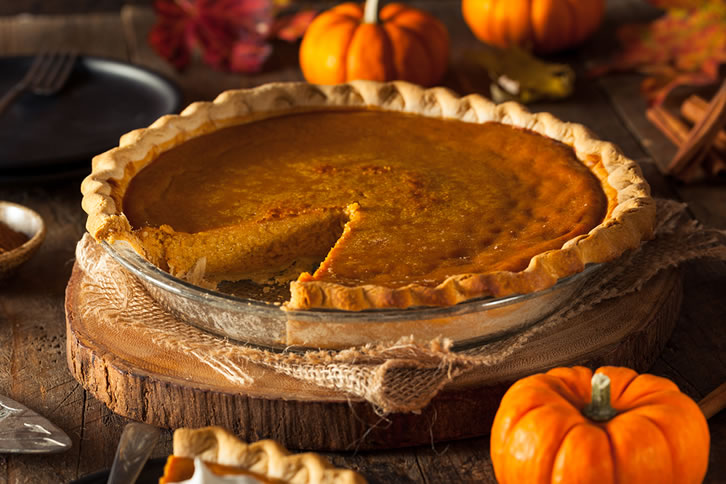 Make a delicious pumpkin pie to enjoy on Halloween!